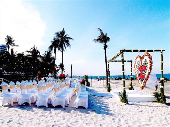 Beach weddings for the Western style wedding