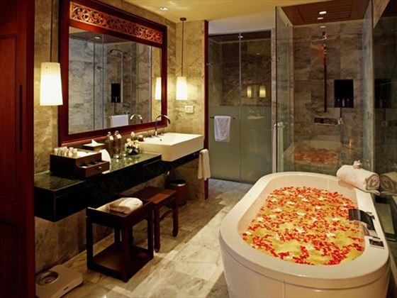 Centara Grand Beach Resort Phuket bathroom
