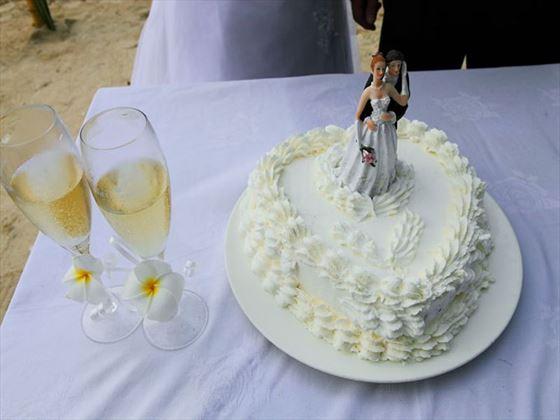 Wedding cake & champagne