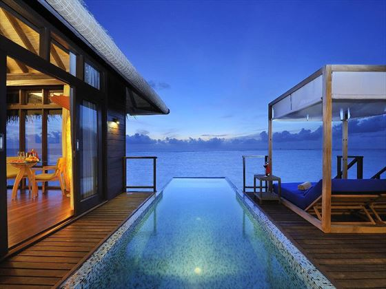 Coco Bodu Hithi private pool