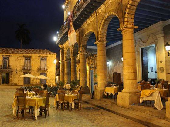 Old town square dining, Havana