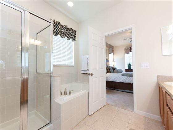 Disney Area Executive Plus Homes Bathroom