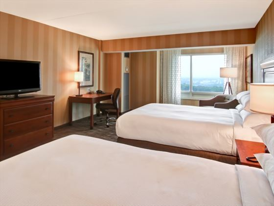 The guestroom at Doubletree Fallsview Resort & Spa by Hilton