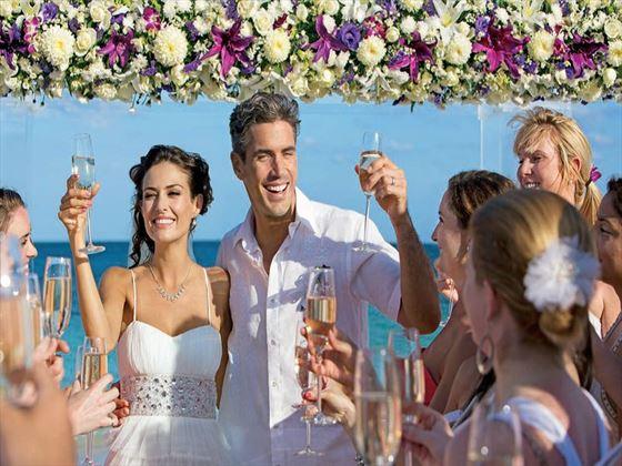 Wedding party at Dreams Las Mareas