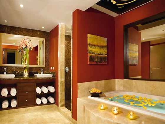 Dreams Palm Beach bathroom