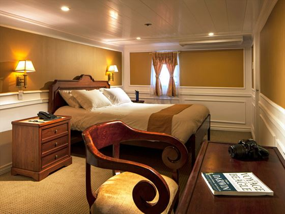 A double suite on board the Evolution