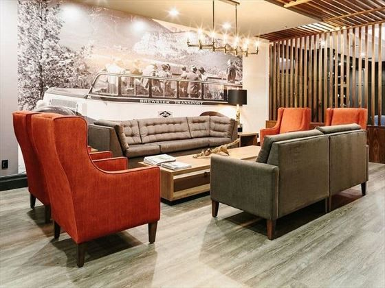 Elk + Avenue Hotel lobby