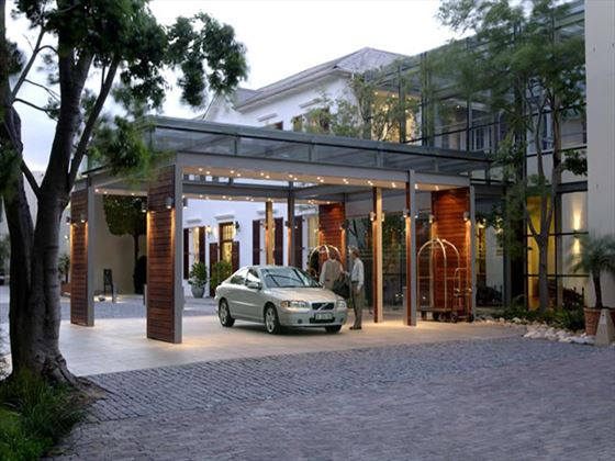 Entrance to the Vineyard Hotel