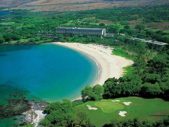 The stunning setting of the Mauna Kea Hotel