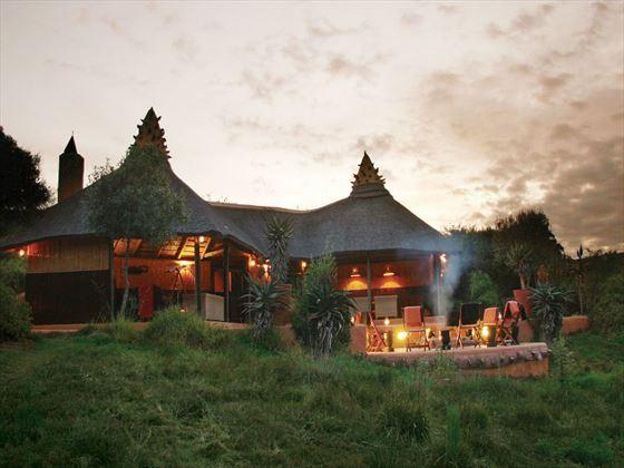 Exterior view of the lodge at Amakhala Safari Lodge