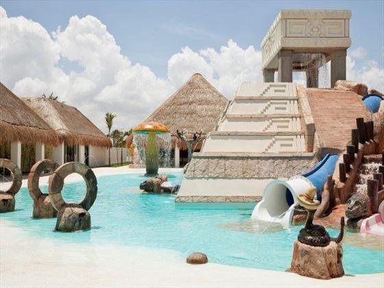 Finest Playa Mujeres Maxi Club