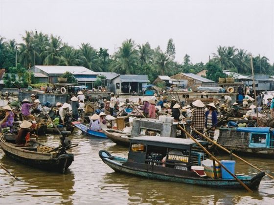Floating market at Can Tho