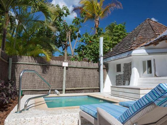 Gaugin Suite Private Pool
