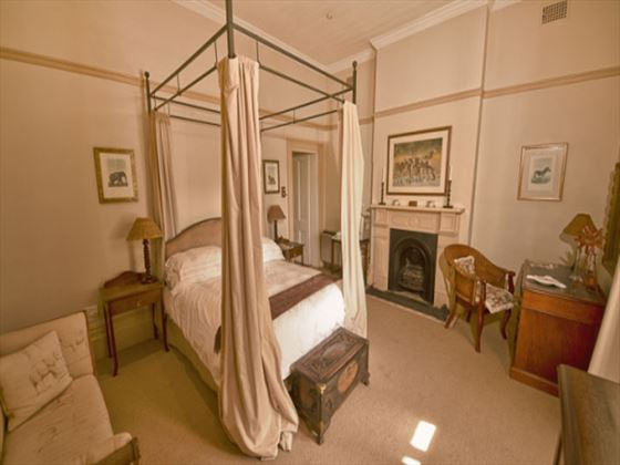 Hacklewood Hill Country House bedroom