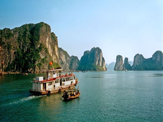 Ha Long Bay cruise boats