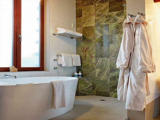 Hapuku Lodge bathroom
