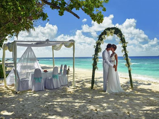 Beach ceremony at the Hilton Seychelles Labriz Resort & Spa