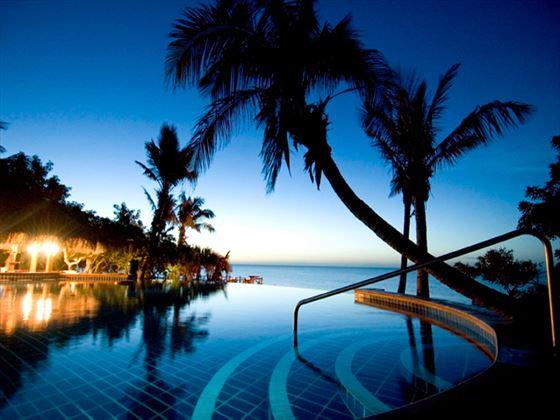 Indigo Bay Resort & Spa pool at night