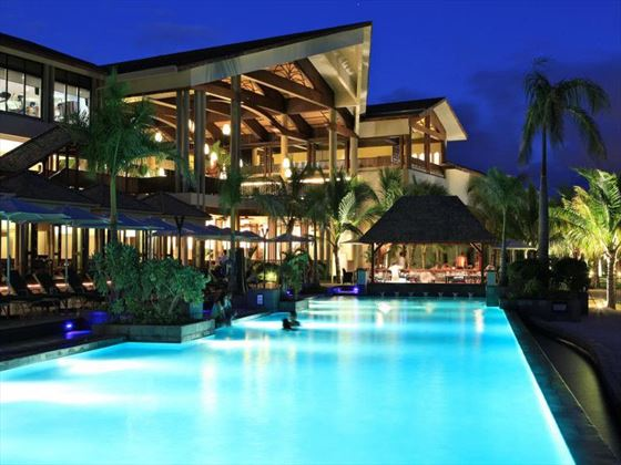 Intercontinental Mauritius pool at night