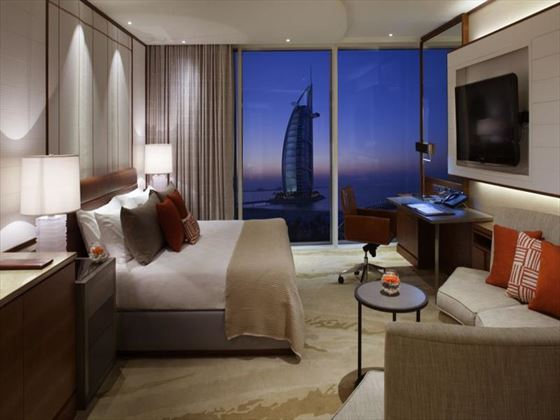 Jumeirah Beach Hotel Ocean Club Superior room