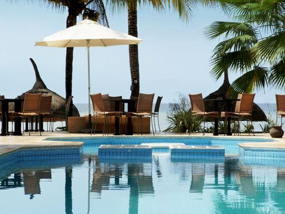 Les Cocotiers pool