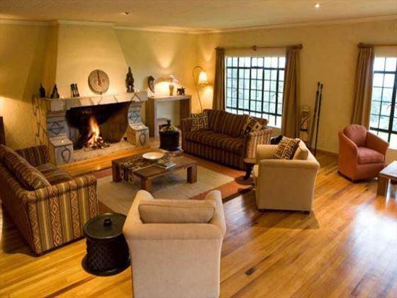 Living room at Sabyinyo Silverback Lodge