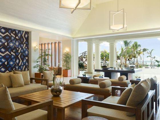 Lounge Breezeway