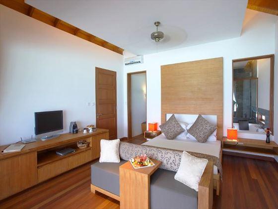 Medhufusi Island Resort Hotel Water Villa bedroom