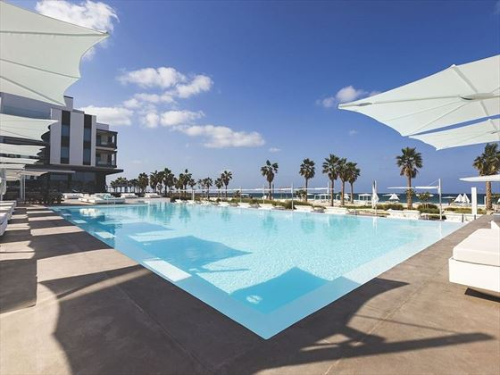 Nikki Beach Resort & Spa main pool