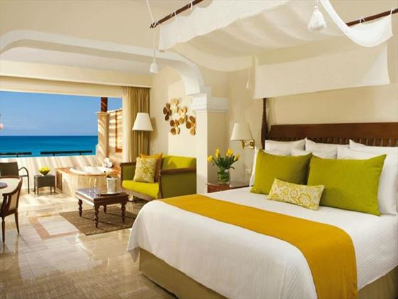 Now Sapphire Riviera Cancun Deluxe Junior Suite Ocean Front Room