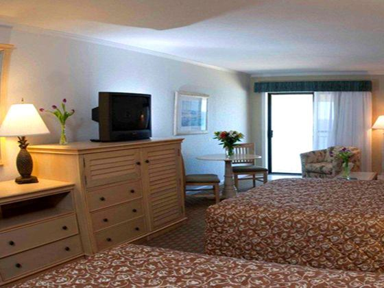 Surf Side Hotel Oceanfront Queen Room, Nags Head, North Carolina
