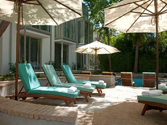 Oude Werf hotel pool deck