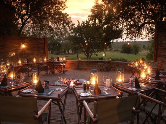 Outdoor dining at Savanna Lodge