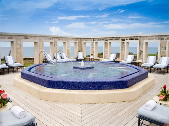 Outdoor whirlpool at The Crane