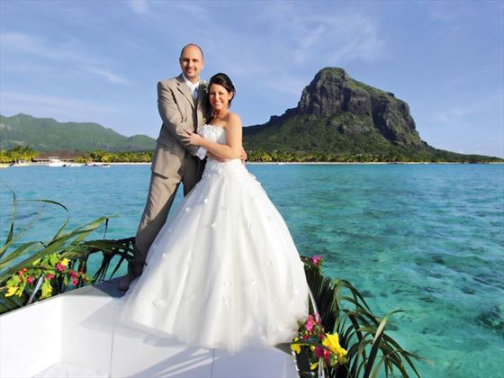 Stunning wedding backdrop at the Paradis