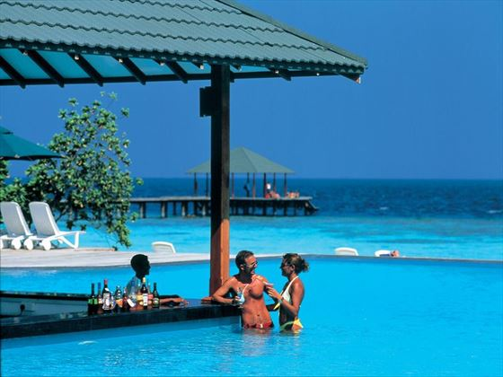 The pool bar, Adaaran Select Meedhupparu