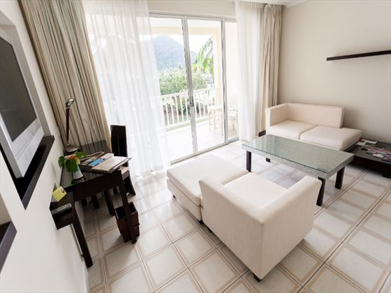 Royal by rex resorts Seaview Suite lounge