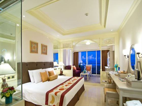 Royal Cliff Hotels Group Mini-Suite room