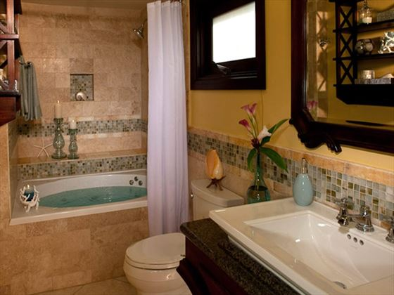Sandals Grande Riviera Beach & Villa Golf Resort bathroom