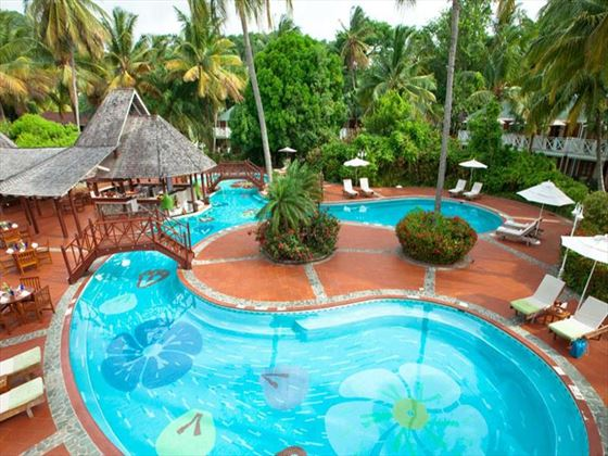 Sandals Halcyon Beach St Lucia swimming pool