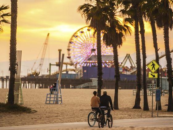 Santa Monica, bikes and pier