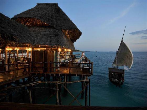 Sea Breeze restaurant at Diamonds La Gemma Dell Est