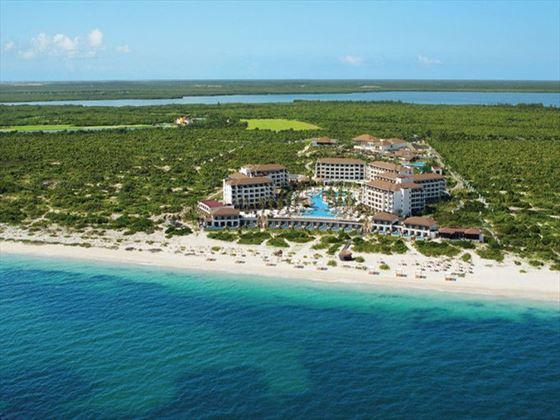 Exterior view of Secrets Playa Mujeres Golf & Spa Resort