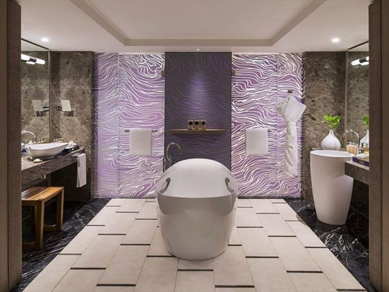 Frangipani Junior Suite Ocean View Bathroom
