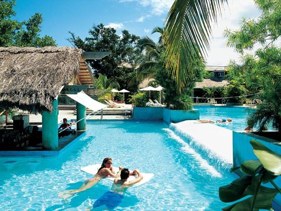 Swim-up bar at Couples Negril