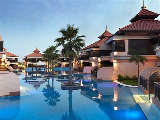 Swimming pool at Anantara The Palm