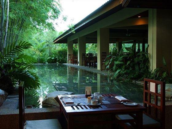 Tanjung Rhu poolside dining