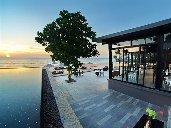 The edge restaurant at Aleenta Phuket - Phang Nga