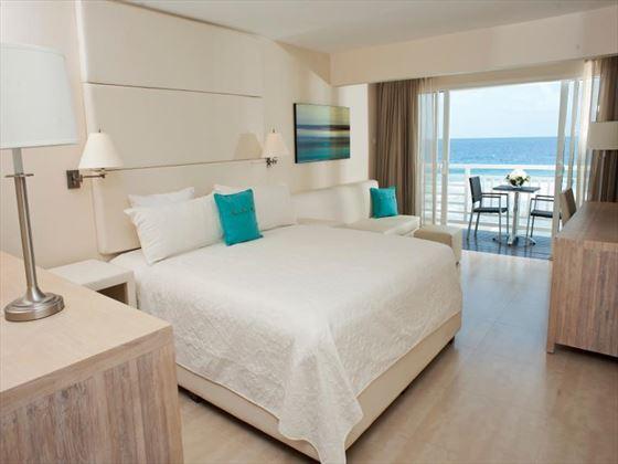 The SoCo Hotel Deluxe bedroom