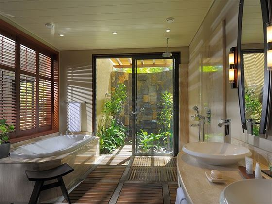 Tropical Suite Bathroom
